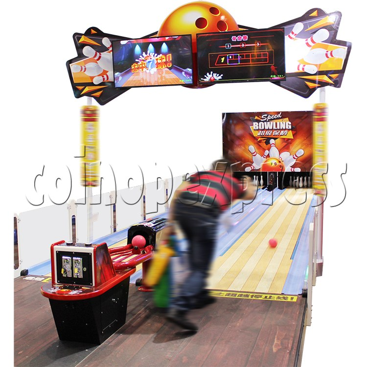 Speed Bowling Arcade Machine 13M - play view