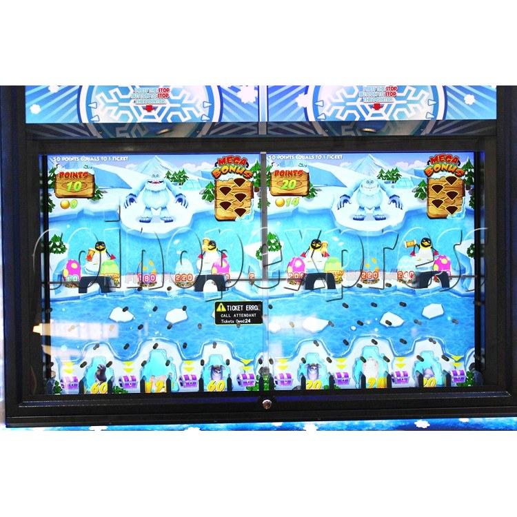 Snow Ball Drop Ticket Redemption Game Machine 4 Players - playfield
