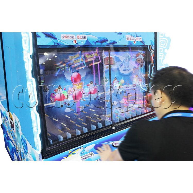 Snow Ball Drop Ticket Redemption Game Machine 4 Players - screen display 2