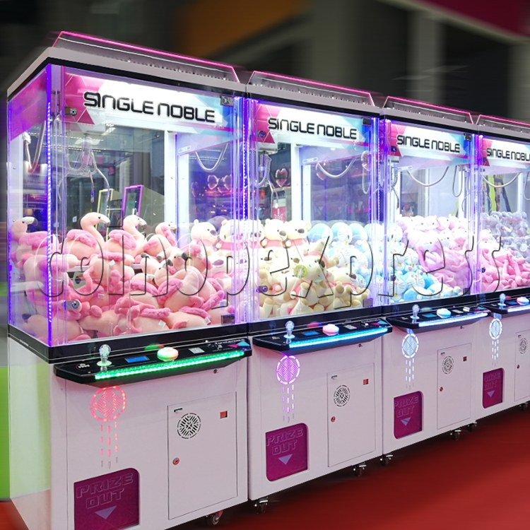 Single Noble Claw Crane Machine - 1 Player